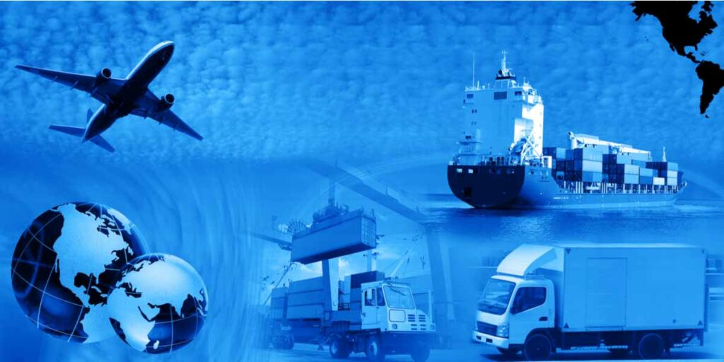 what does freight forwarder do